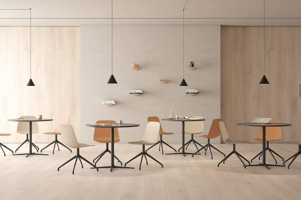 Silla Viccarbe-Maarten-plastic-by-Victor-Carrasco-01